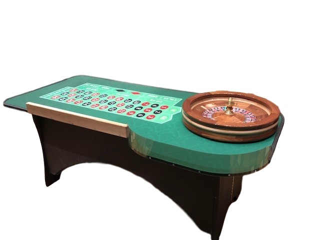 Roulette Tables & Portable Blackjack Table in Walnut Trailer Villa, California